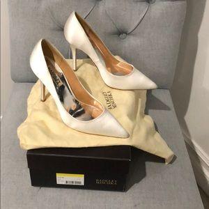 Badgley Mischka bridal shoes white satin